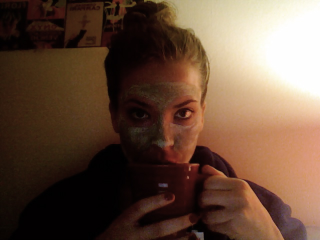 Tonight is the night of Boyfriendless Self Love, which, yes, sounded like something totally wholesome in my head, looks vaguely lewd in print, and shall not be altered by me in spite of that. Look at all that coconut oil in my hair! Mint masque! GREEN TEA.